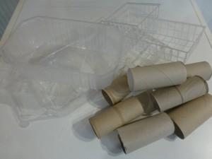Klopapierrollen und Plastikschalen wurden fleißig gesammelt