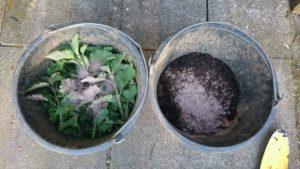 Brennnesseln und Kompost mit Urgesteinsmehl